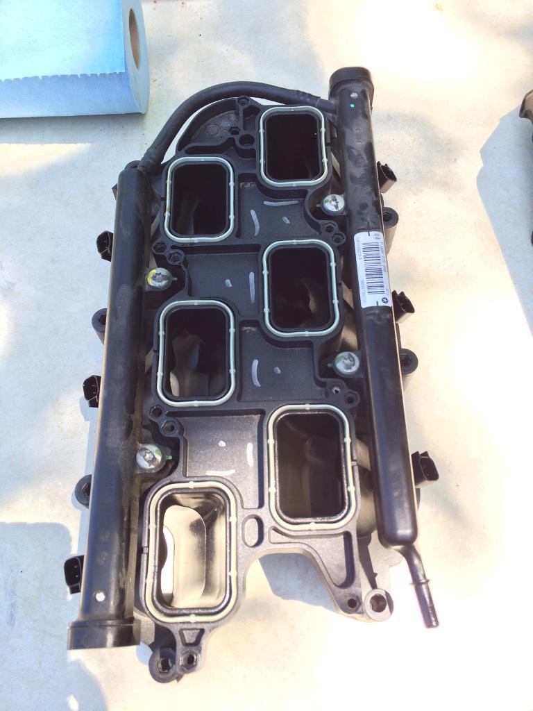 Fuel Rail Location Question On A 2013 Jk Jeep Wrangler